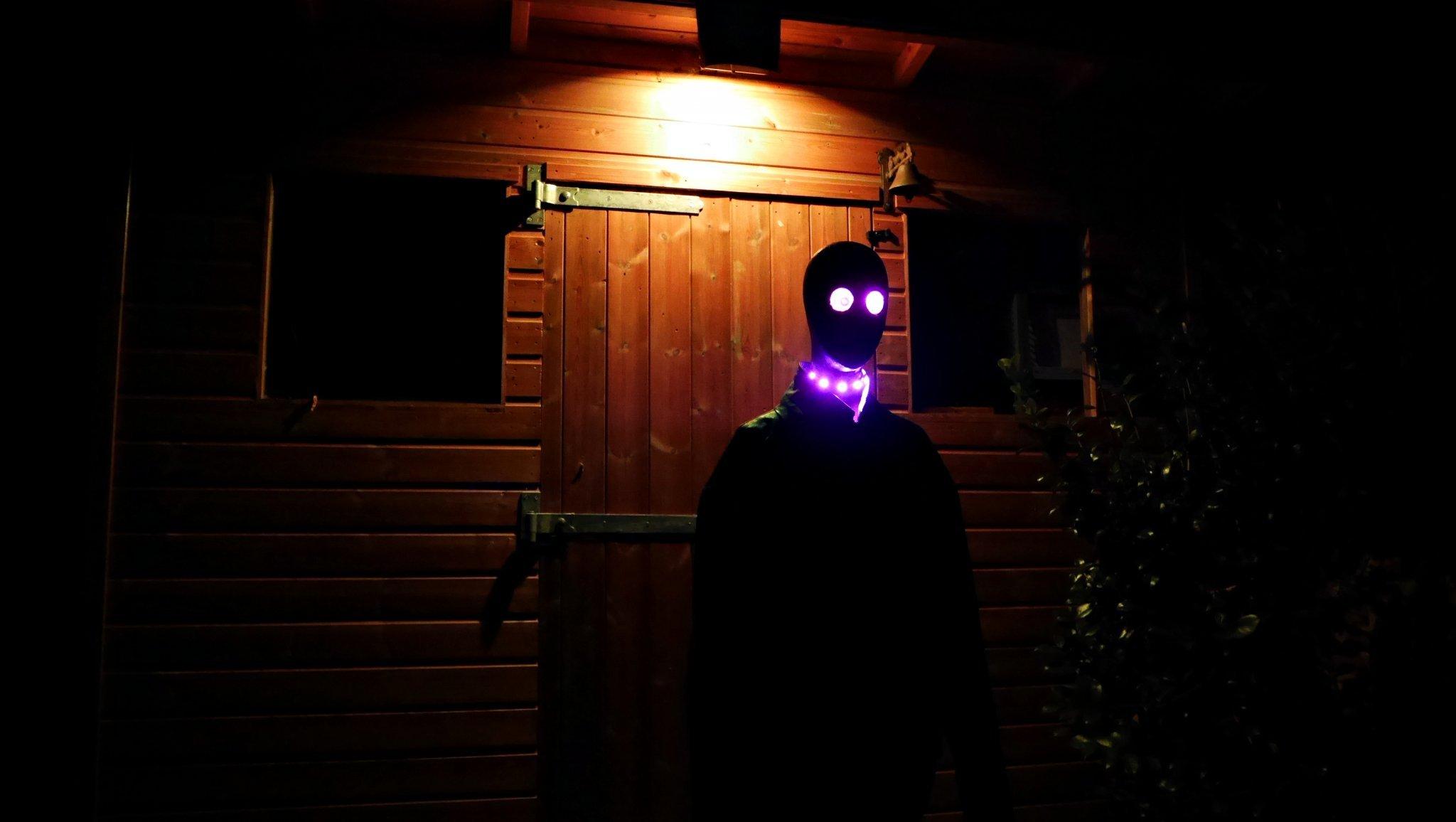 20161013-p1720756-shed-alien