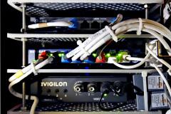 20201127-p2410126-modem-rack